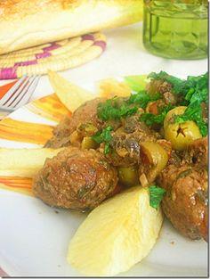 Tajine de boulettes viande hachée champignons et olives