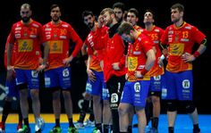 Los jugadores de la selección española, tras su eliminación ante Croacia.