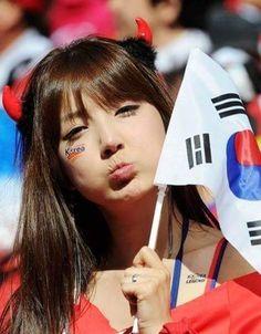 2014 world cup tattoo on face ideas - Korea. World Girls Hot Football Fans, Football Girls, Soccer Cup, Soccer Boys, Soccer Coaching, Soccer Training, Fifa, Cup Tattoo, Soccer Skills