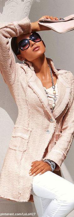 19 Trends In Blazers- Women's Fashion 2013 - Herren- und Damenmode - Kleidung Look Fashion, High Fashion, Winter Fashion, Womens Fashion, Trendy Fashion, Pastel Fashion, Fashion Hub, Fashion Clothes, Street Fashion