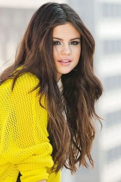 If you want to have a celebrity hairstyle for your hair, I would suggest you to have one of the looks in your hair from our collection where we have gathered beautiful Selena Gomez Hairstyles Only for you. Selena Gomez Linda, Fotos Selena Gomez, Estilo Selena Gomez, Selena Gomez Photoshoot, Selena Gomez Hair, Selena Gomez Cute, Selena Gomez Outfits, Selena Gomez Pictures, Selena Gomez Style