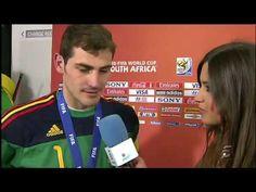 Portero Casillas besó a Sara Carbonero en plena entrevista