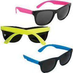 Sunglasses. The item is popularly used while on a vacation. Enjoy yourself in the sun! It looks so fashionable! Features a PC frame and AC lenses.