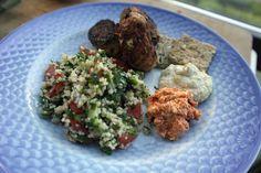 middelhavsfrikadeller, taboulleh, artiskokcreme og fetadip ALT FOR LÆKKERT!!