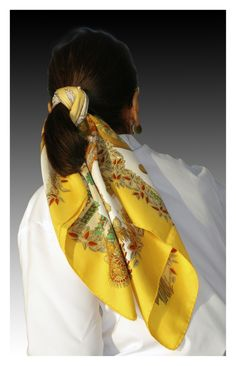 Silk scarf around a poney tail or how to enhance a simple hair dress...