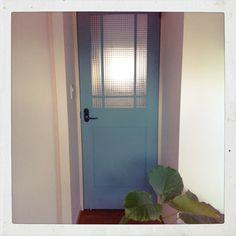 家具も壁も、好きな色に塗り替えよう♪ ペンキDIYのススメ