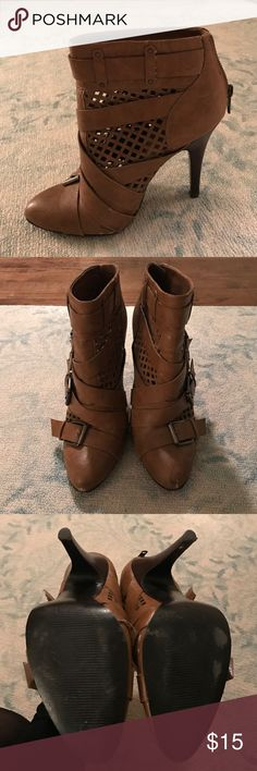 """Carlos Santana Brown Booties with Buckle Straps Carlos Santana Brown Booties with Buckle Straps. Worn once! 3.5"""" heel  Offers accepted!  Bundles accepted!  15% off 2+ items ❌ trades ❌ PayPal Carlos Santana Shoes Ankle Boots & Booties"""