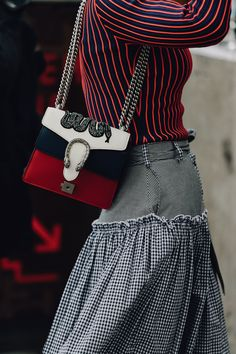 The snakes shoulder - The Best Street Style From Australian Fashion Week   Supernatural Style