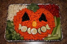 What do you do when you are assigned vegetables for the school Halloween Party? This great pumpkin, and the ants on a stick are courtesy of. recipes for halloween Halloween Desserts, Halloween Cupcakes, Halloween Tags, Halloween 2018, Muffins Halloween, Hallowen Food, Hallowen Ideas, Halloween Appetizers, Halloween Goodies