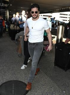 Kit Rose, Game Of Throne Actors, Kit Harrington, What Should I Wear Today, Celebs, Male Celebrities, Haircuts For Men, Stylish Men, John Snow