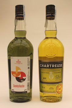 """Cuvée Chartreuse Santa Tecla 2012, 4000 ex. de Jaune à 43° avec étiquette surajoutée """"Serie Limitada Tarragona 43°"""" et 1000 ex. de Verte."""