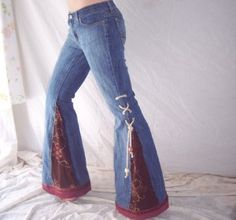 How to Make Bell Bottoms Out of Jeans : Sewing Inserts for