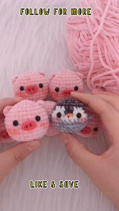 Crochet Pattern For Amigurumi - Double Crochet - Crochet Patterns Free #crochettoppattern #crochet #crochetpattern #crochettoppattern Crochet Bee, Kawaii Crochet, Cute Crochet, Crochet Crafts, Yarn Crafts, Crochet Projects, Minion Crochet, Crochet Octopus, Double Crochet