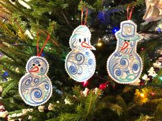Advanced Embroidery Designs - Stockings and Snowmen Set Celtic Circle, Advanced Embroidery, Hawaiian Tribal, Stained Glass Flowers, Christmas Embroidery, Tribal Fashion, Snowmen, Machine Embroidery Designs, Snowflakes