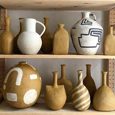 Admiring the earthy tones of these architectural vessels by Ceramic Clay, Ceramic Plates, Ceramic Pottery, Pottery Art, Slab Pottery, Pottery Studio, Keramik Design, Deco Originale, Cheap Home Decor