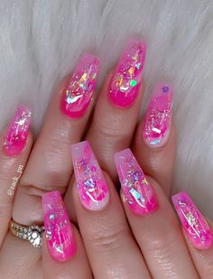 40 Fabulous Nail Designs That Are Totally in Season Right Now - clear nail art designs,almond nail art design, acrylic nail art, nail designs with glitter Bling Acrylic Nails, Summer Acrylic Nails, Best Acrylic Nails, Pink Nails, My Nails, Coffin Nails, Red Nail, Cute Acrylic Nail Designs, Nail Art Designs