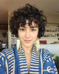 A curly pixie cut makes for some of the most fun ways to wear your curly hair! We have put together our favorite ways on how to style a curly pixie cut that is perfect for the holiday season! Short Curly Pixie, Older Women Hairstyles, Curly Hair Cuts, Cute Hairstyles For Short Hair, Wavy Hair, Kinky Hair, Curly Bangs, Trendy Hair, Short Bangs