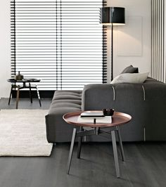 Small tables: HUSK - Collection: B&B Italia - Design: Patricia Urquiola