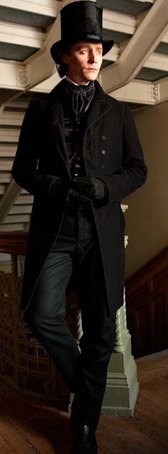Tom Hiddleston as Sir Thomas Sharpe. Full size image: http://maryxglz.tumblr.com/post/153677718062