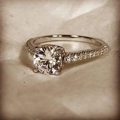 Add some shine to your love story ❤️ #style LE716WD #peterstormjewelry #diamond #wedding #weddinginspo #engagement #engagementring #bridetobe #bridetobe #goals #instalike #lovequotes #instajewelry #jewelry #shine #perfect #heart #love #dreams #beautiful