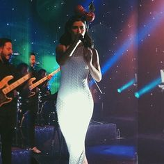 Marina and the Diamonds, live.  Froot era