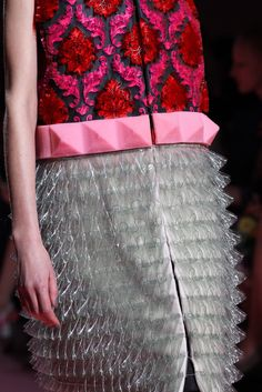 Patterns and Textures @ Mary Katrantzou Fall 2015 Ready-to-Wear - Collection - Gallery - Style.com