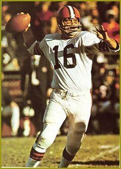 Milt Plum Cleveland Browns 1957-61, Detroit Lions 1962-67, Los Angeles Rams 1968 and New York Giants 1969.