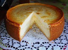 Käsekuchen mit 2 Schichten, ein beliebtes Rezept mit Bild aus der Kategorie Kuchen. 864 Bewertungen: Ø 4,8. Tags: Backen, Kuchen