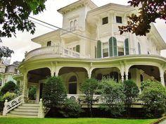 100s of Victorian Homes http://pinterest.com/njestates/victorian-homes/ Thanks to http://www.NJEstates.net/