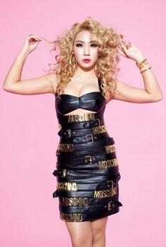 Las etiquetas más populares para esta imagen incluyen: CL, 2ne1, kpop, Moschino y chaerin