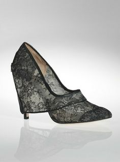 Chantilly Lace Pump By Lislie Yeung