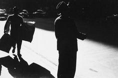 Saul Leiter, sidewalk, 1954