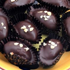 A quick and easy recipe for Chocolate Covered Roasted Almonds. A perfect holiday treat.