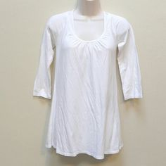 White top 3/4 length sleeves.  Perfect top for Spring and Summer. Old Navy Tops Tees - Long Sleeve