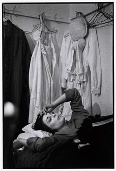 Anne Bancroft backstage during the run of The Miracle Worker on Broadway, 1962 first posted by  modbeatnik
