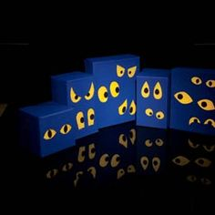 Spectral Eyes A herd of glowing peepers adds creepy ambiance to a dimly lit room or porch. Holidays Halloween, Halloween Crafts, Halloween Decorations, Halloween Party, Halloween Ideas, Decoration Crafts, Halloween 2020, Holiday Crafts, Scooby Doo Halloween