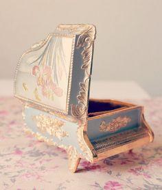 Vintage Japanese Sankyo Music Box by emsdesertrose on Etsy