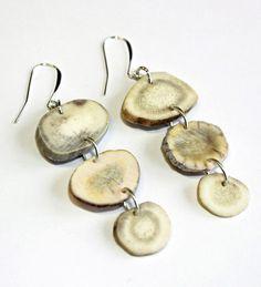 Antler earrings from the Naomi Bourque Jewelry Collection. Deer Antler Jewelry, Deer Antler Crafts, Antler Art, Antler Necklace, Deer Antlers, Bone Jewelry, Jewelry Art, Beaded Jewelry, Deer Skull Art