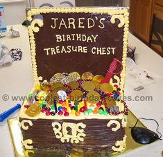 Take a look at the coolest homemade Treasure chest cake decorating ideas. You'll also find loads of homemade cake ideas and DIY birthday cake inspiration. Homemade Birthday Decorations, Birthday Cake Decorating, Cake Decorations, Pirate Birthday Cake, Cool Birthday Cakes, Birthday Ideas, Third Birthday, Birthday Parties, Treasure Chest Cake