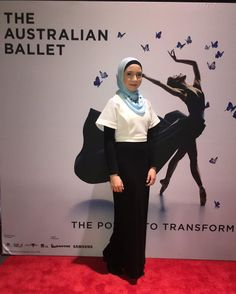 Opening night for The Australian Ballet in Vitesse last night were phenomenal and I feel so privileged and amazed to have seen the incredible dancers perform #TABvitesse #incredible #inthemiddlesomewhatelevated #ausballet  #williamforsythe #DGV #christopherwheeldon  #theforgottenland #openingnight #forsythe #sydneyoperahouse #ballet #sydney  #dance #muslimballerina #tututuesday #ballerina #australianballet #wings  #pointe #dancer #wow #tutu #sydneyharbourbridge #slay #red #hijabiballerina by…