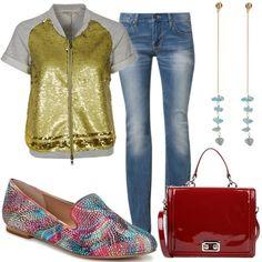 Slippers de Steve Maddon y chaqueta de lentejuelas doradas de Patrizia Pepe