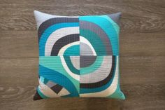 modern improv curved quilt block pillow - looks fun to make!