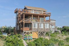 By the Beautiful Sea: 4 Bedroom, 2 1/2 - Hot Tub - Pet Friendly - Oceanfront - Avon NC