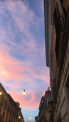 *49 아이폰배경화면 심플 : 네이버 블로그 Aesthetic Pastel Wallpaper, Aesthetic Backgrounds, Aesthetic Wallpapers, Pretty Sky, Beautiful Sky, Beautiful Places, Tumblr Wallpaper, Wallpaper Backgrounds, Urbane Fotografie