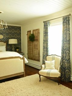 The handmade experts at HGTV.com share step-by-step instructions for turning fabric into custom, lined drapery panels for window treatments.