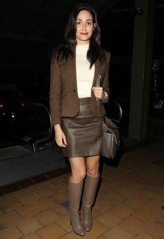 12/6 #エミー・ロッサム #ツイードジャケット #レザースカート #ロングブーツ |海外セレブ最新画像・私服ファッション・着用ブランドまとめてチェック DailyCelebrityDiary*