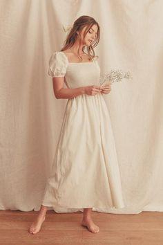 Modest Dresses, Modest Outfits, Modest Fashion, Dress Outfits, Fashion Dresses, Dress Up, Long Casual Dresses, Modest White Dress, Elegant Summer Dresses