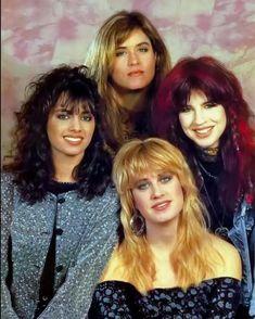 The Bangles Band, Vicki Peterson, Susanna Hoffs, Michael Steele, Women Of Rock, Rocker Girl, Cult, Pop Rock Bands, Egyptian Jewelry