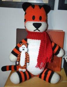 Mini Hobbes and Big Hobbes. Mini Hobbes crochet pattern