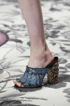 voguerunway:   The Gucci Spring 2016 collection... - Fashion Paprika